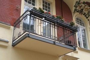 balkon-blumenkasten