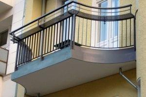 balkon-gebogen-gelaender