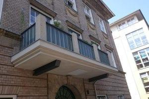 balkon-kleine-saeulen