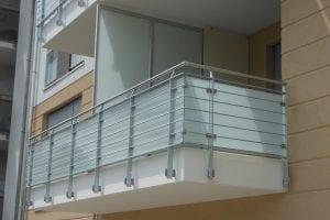 balkon-mit-sichtschutz-aus-glas