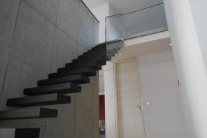 loft-treppe-glasgelaender