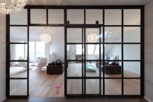 rollglastuer-wohnzimmer