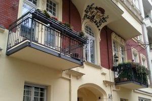 zwei-balkone-altbau